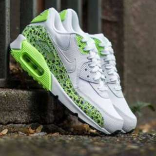Nike- (size 8)- Women's Air Max 90 Premium
