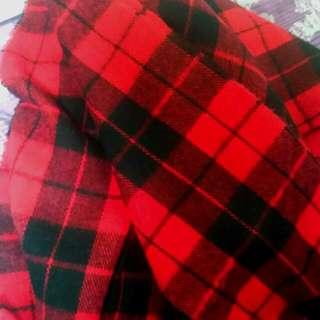 大紅黑格子厚圍巾