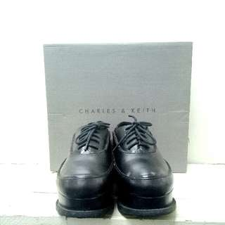 ✨REPRICED: Charles & Keith Wedged Oxford Shoes
