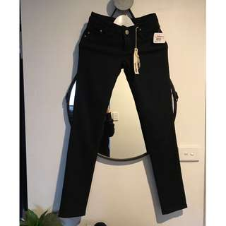BNWT Ripcurl Jeans Size 6
