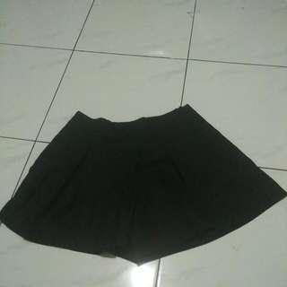 Celana Semi Culot Pendek
