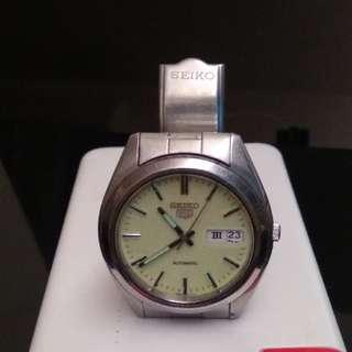 精工5號手錶 螢光指針及錶面 羅馬 及英文星期顯示 Automatic 絕對罕有 Seiko Number 5