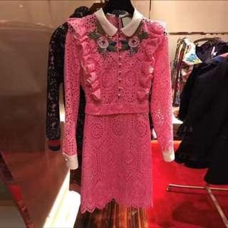 桃紅蕾絲洋裝