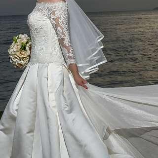 Avenue Diagonal Elegant Wedding Dress