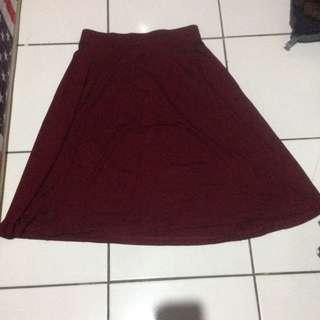flare skirt maroon (hardware)