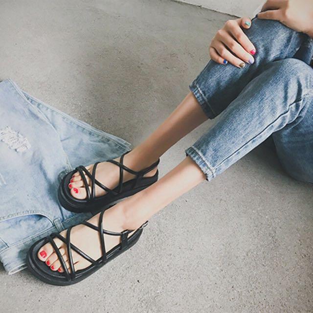 厚底交叉綁帶涼鞋