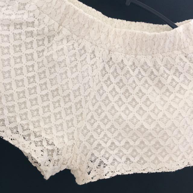 正韓 白色蕾絲鬆緊短褲