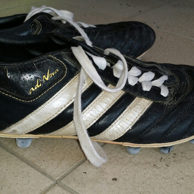 4a31fcd5475 Adidas Classic Adinova Football Boots