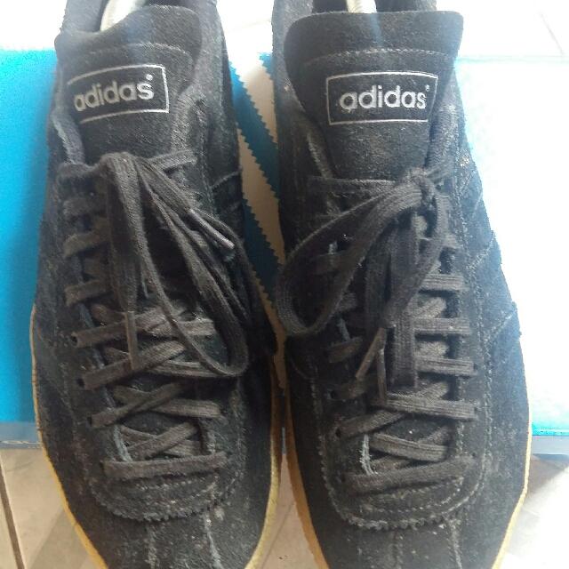 on sale 6444e 52bff Adidas Topanga Black Gum Series, Fesyen Pria, Sepatu di Caro