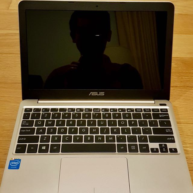 Asus X205t Like New