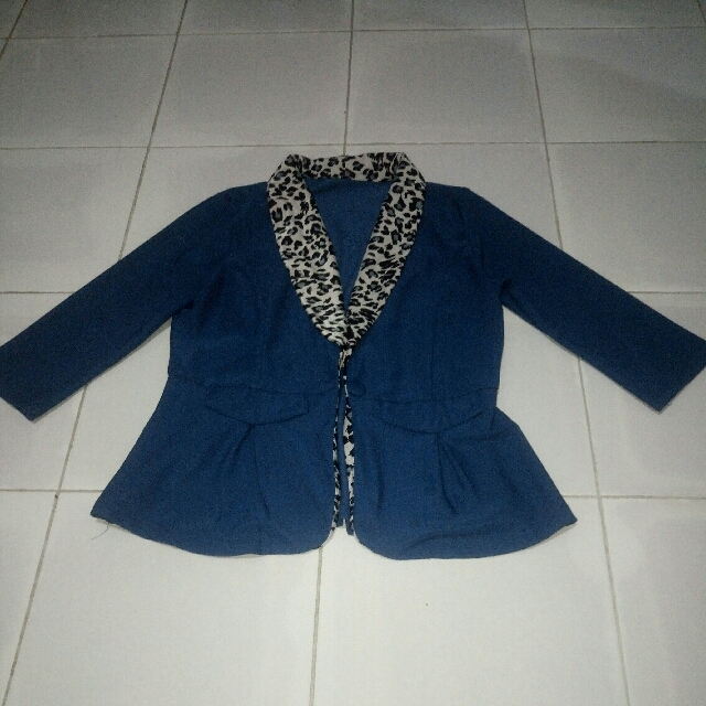 Blazer: Biru Leopard