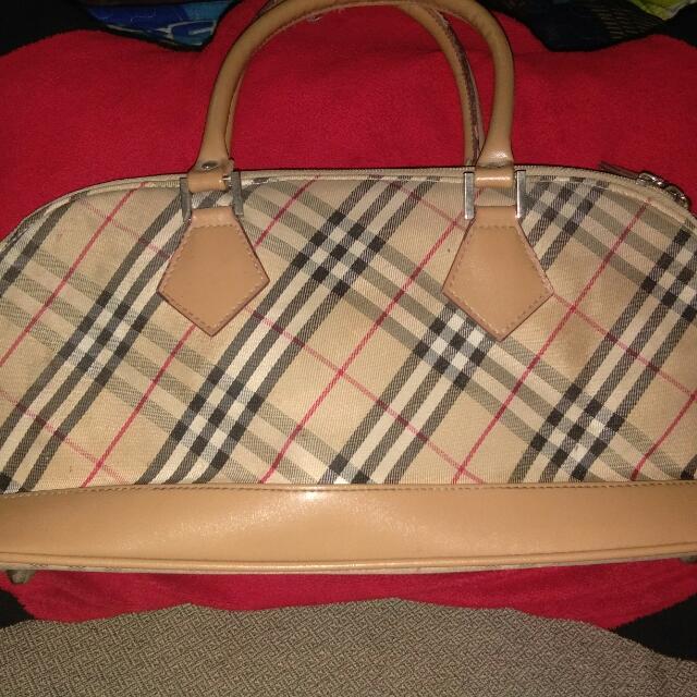 Burberry Small Bag Fr. Hongkong
