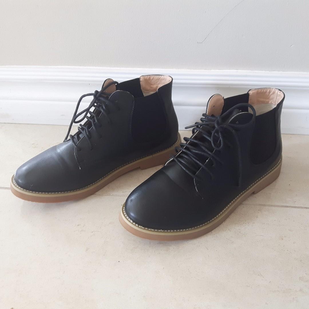 Super Cute Black Boots (Faux Leather)