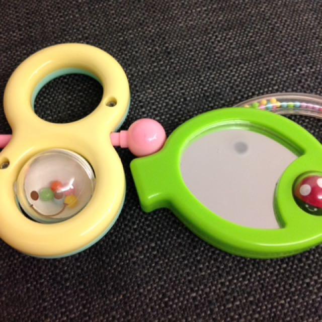 Combi鏡子玩具+手搖玩具