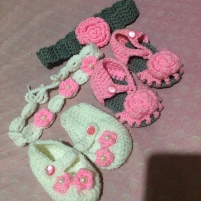 crochet headband and booties