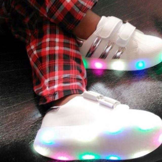 Fashionable LED Shoes