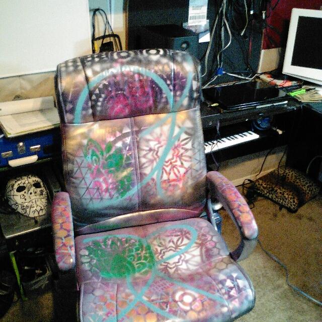 Graffti Chair And Canvass Hand Made By Me 30 Yrs Of Street Art Get It It's Hot