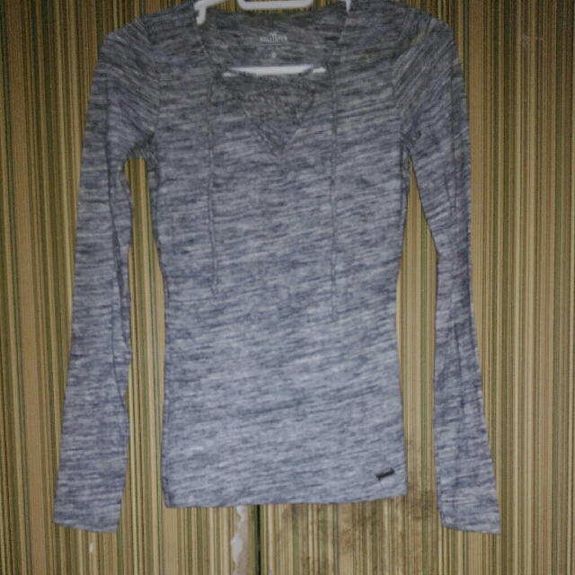 Hollister Sweater Lace Up