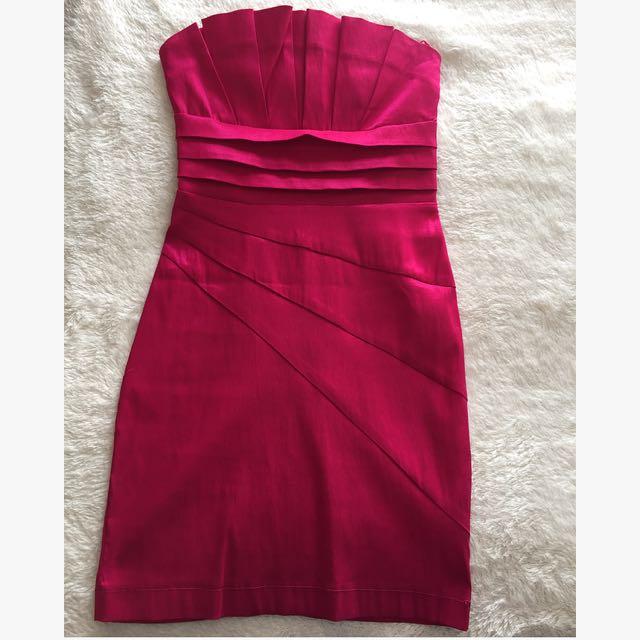 Ladies pink strapless dress, size 6
