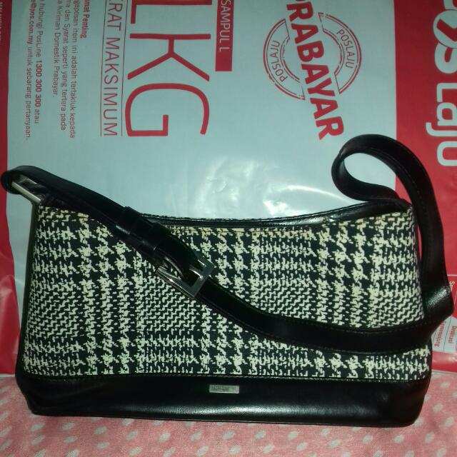 10c5554889 Preloved Santa Barbara Polo   Racquet Club ( SBPRC ) Handbag ...