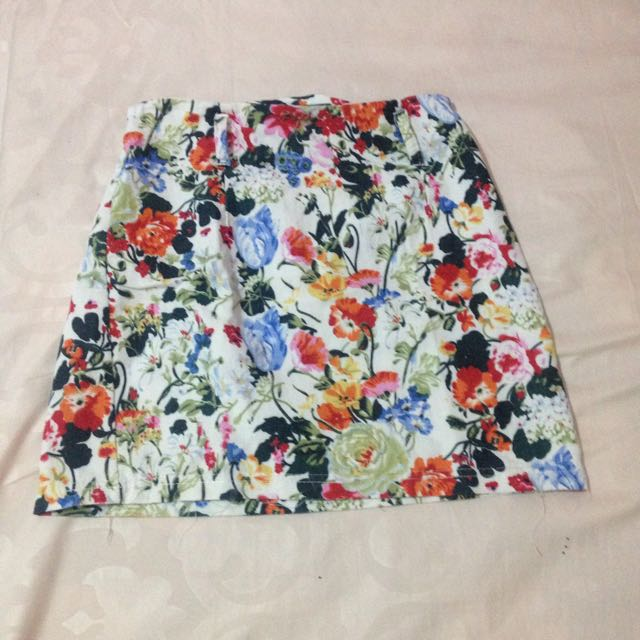 MINI FLOWER SKIRT