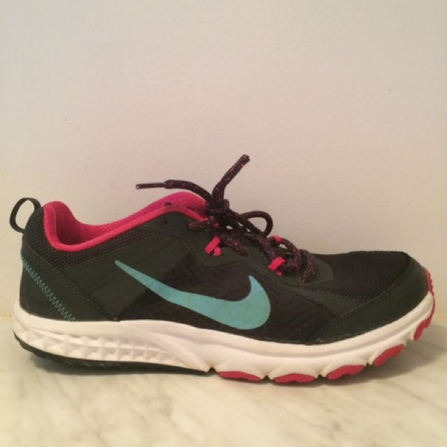Nike Track Shoes