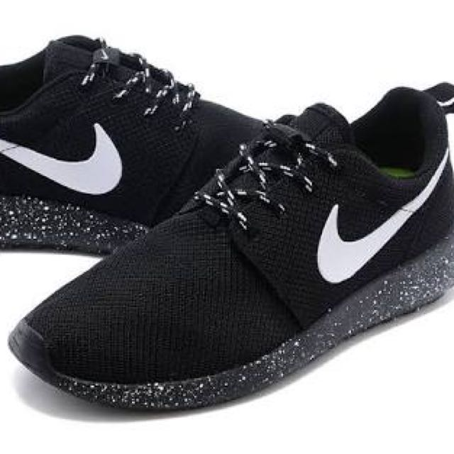 ORIGINAL NIKE ROSHE RUNS