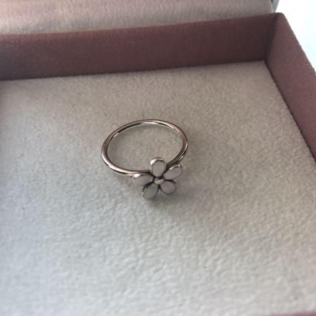 Pandora daisy ring SZ 7