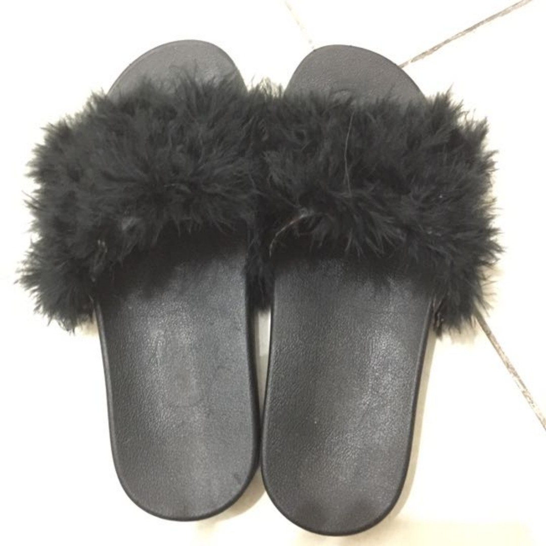 Sendal Bulu (Fur Sandals) Black