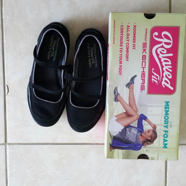 Sepatu Memory Foam Skechers Asli