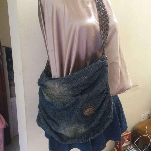 Tas Selempang Jeans