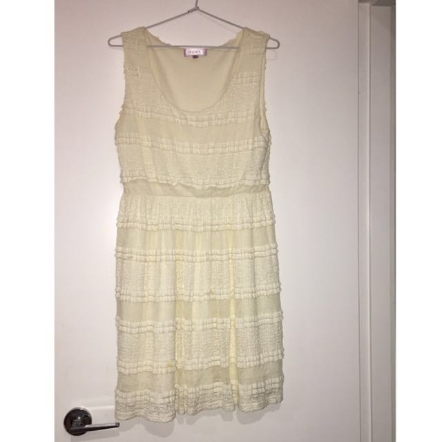 Temt White/ cream lace dress