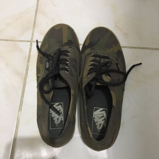 VANS Camouflage Sneakers (Authentic)