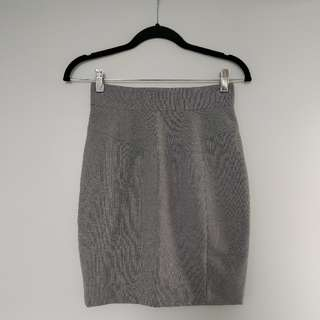 H&M Office Ready Pencil Skirt(Size 4)