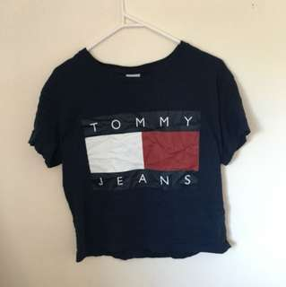 ✨ Navy Blue Tommy Hilfiger Crop ✨
