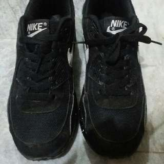 nike Airmax  class A size 7 second hand