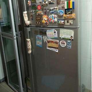 Hitachi Fridge 2 Doors