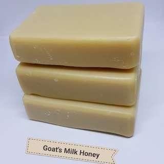 AMALIA Goat's Milk Borneo Honey Whitening, Soothing & Rejuvenating Soap