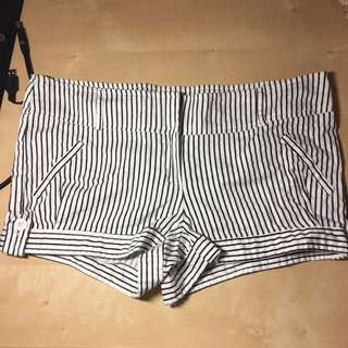 Cute Vertical Stripe Shorts Black White Size 5