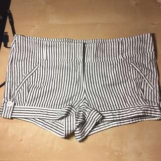 Cute Vertical Stripe Shorts Black White Size 5
