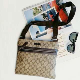 Gucci sling bag /messenger