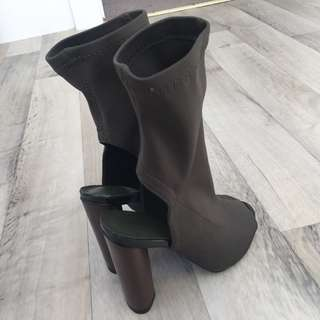 Woman's high heel boots- Olive