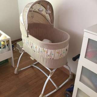 lucky baby nuzzle baby bassinet