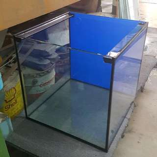 fish tank 18 by 18 by 18inch(8mm)