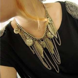 BN Gold Vintage Necklace