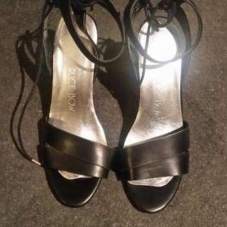 Black Novo Sandals Size 9