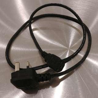 電腦線 長短各ㄧ Computer Cables of Different Lengths