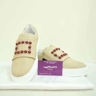 全新 ROGER VIVIER 杏色 布料 配紅珠 運動鞋 鞋 Beige Cloth Sneaker Shoes with Red Beads