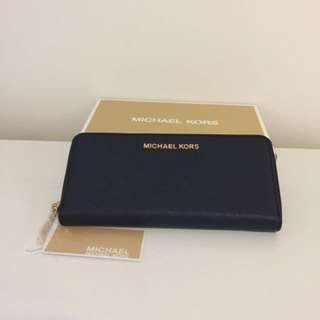 NWT Authentic Michael Kors Jet Set Travel Zip Around Wallet