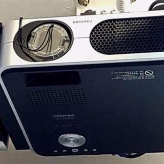 Toshiba LCD Projector $399